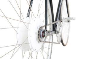 flykly-smart-wheel-on-bike-e1424204945130